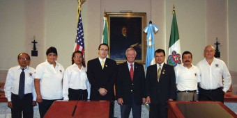 Coral Gables Mayor Don Slesnick (5th from left) welcomes the Sister City delegation from La Antigua; to his right is Felipe Allejos Lorenzama, General Consul of Guatemala in Miami; and to his left is Edgar Francisco Ruiz Paredes, La Antigua Vice Mayor, along with other members from the delegation.